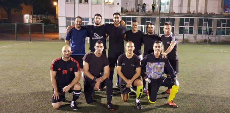 LISBOA SEMANAL) TROLHAS FC E SPADJA PÉ EM LUTA ACESA PELO 3º LUGAR ... f7c83da23ed6f